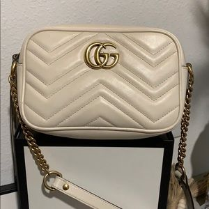 🌹Gucci Stunning Chevron leather Marmont bag